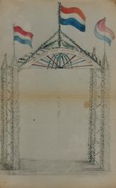 erepoort met vlaggen t.g.v. het bezoek van de koning
