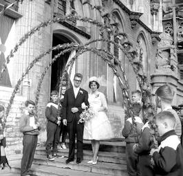 sport huwelijk tussen bruidegom Bert Carol uit Middelburg en bruid Boon; de jong…