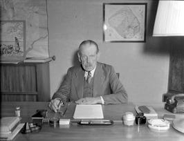 mr. dr. R. W. van Lynden, dijkgraaf van de polder Walcheren