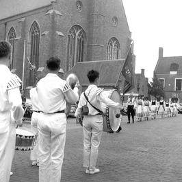 folkloregroep bij de Nieuwe Kerk
