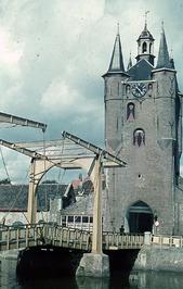 Zuidhavenpoort met ophaalbrug