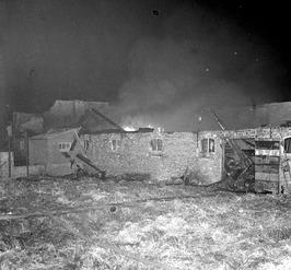 brand in boerenschuur aan de Aagtekerkseweg, eigendom van landbouwer J.Moens. 17…
