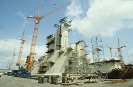 bouw pijlers in bouwdok