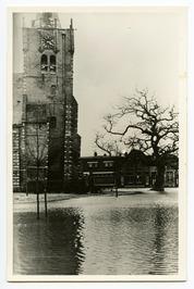 Kerkring met Nederlands Hervormde kerk.