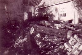 Oude schuur, tussen Geertesplein 1 en 3, Kloetinge afgebrand