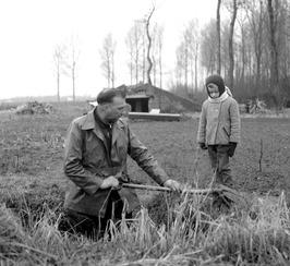 graven naar (?) door (?); anno 2009 in tuin aan de Noordstraat (?); oude volkstu…