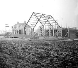 eerste steenlegging; bouw Gereformeerde Kerk  Eind 1959 werd een nieuwe Gereform…
