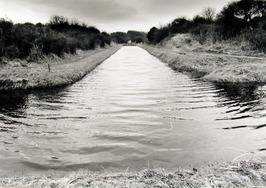 Zoetwaterkanaal door het waterwingebied Oranjezon.