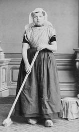 katholiek; vrouwen, dienstbode, dienstmeisje, schoonmaken