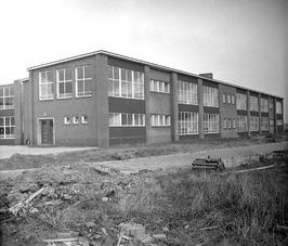 bouw Christelijke Ulo school. Vanaf 2009 in gebruik als Multi Functioneel Centru…