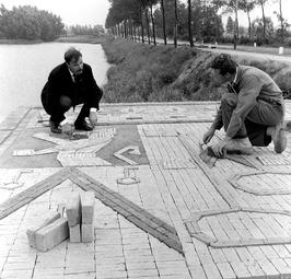 mozaiek van straatstenen ter voorbereiding voor het feest t.g.v. het 750 jarig b…