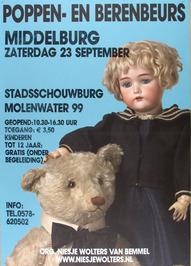 poppen- en berenbeurs in de Stadsschouwburg