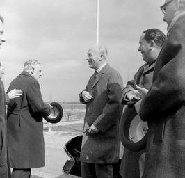 staatssecretaris van Economische Zaken, Drs. J.A. Bakker (rechts) en links CdK d…