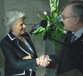 installatie Karla Peijs als CdK, rechts C.J. Colijn, nestor van de Provinciale S…