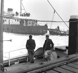 de Belgische loodsboot 16, van het kleine type dat gebruikt wordt bij beloodsing…