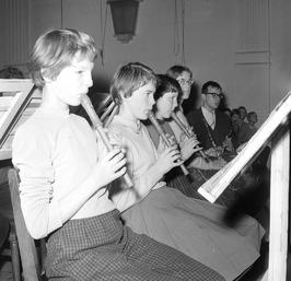 kerstuitvoering Jeugd orkest in Concert- en Gehoorzaal; blokfluiten