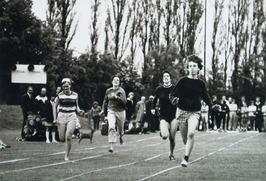 jaarlijkse sportdag van gezamenlijke diensten Landbouwcentrum; hardlopen