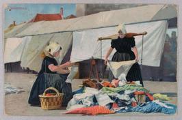 vrouwen met juk op de markt