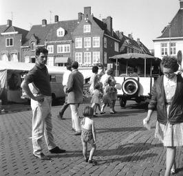 weekmarkt, paardenwagen