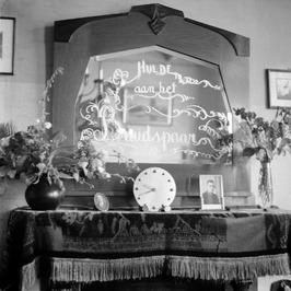 spiegel; A.P. Maas en G. van de Linde huwden 10 juli 1941