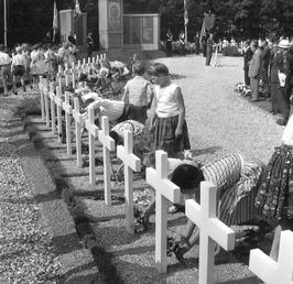 dodenherdenking op Frans kerkhof