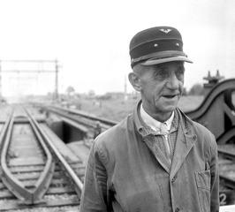 spoorwegwachter van de spoorbrug over de Arne tussen Middelburg en Arnemuiden