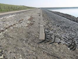 oude grindlosplaats; dijk tussen gemaal Prommelsluis en Pension Klap (aan de N59…