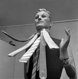 (ten bate van kroniek); vaderdag; stropdassen