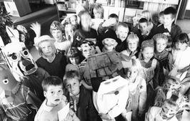 Verklede kinderen tijdens de kinderboekenweek.