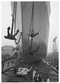Tewaterlating vrachtschip Sea Amber, 1964.