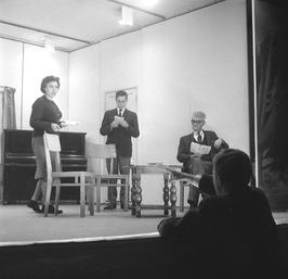 toneelstuk gespeeld door leden van de S.T.E.C.