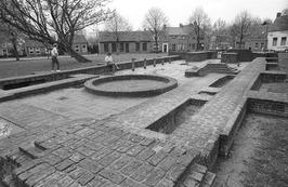 fundamenten van de in 1571 verwoeste kerk aan de Ring. De kerk werd niet meer he…