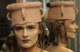 leerlinge Mieke Petiet; opleidingschool voor visagist(e) en decoratieve make-up